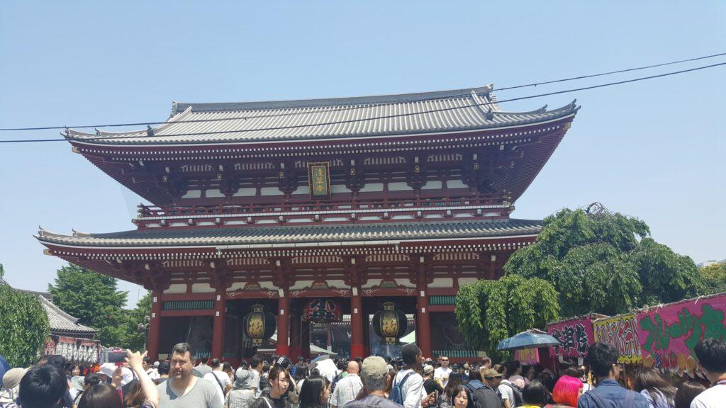 Ingresso al tempio Sensoji di Asakusa a Tokyo