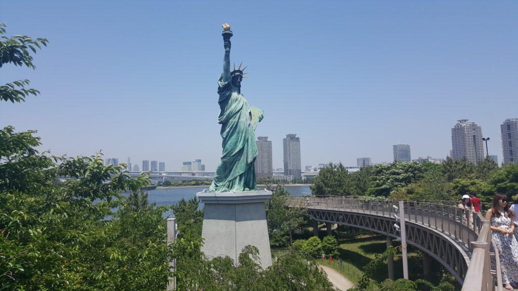 Copia statua della Libertà a Odaiba (Tokyo)